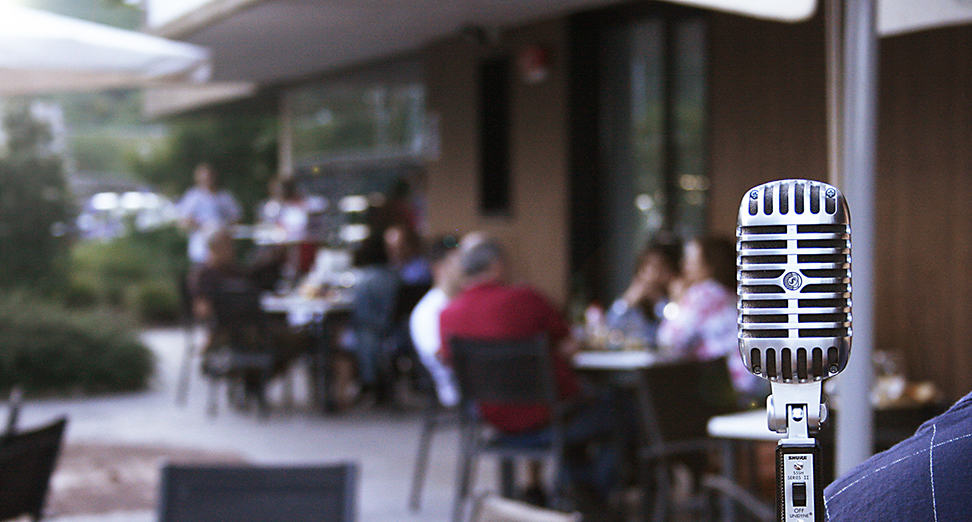 Terraza con Parrilla y Música en Directo en Urnieta, San Sebastián