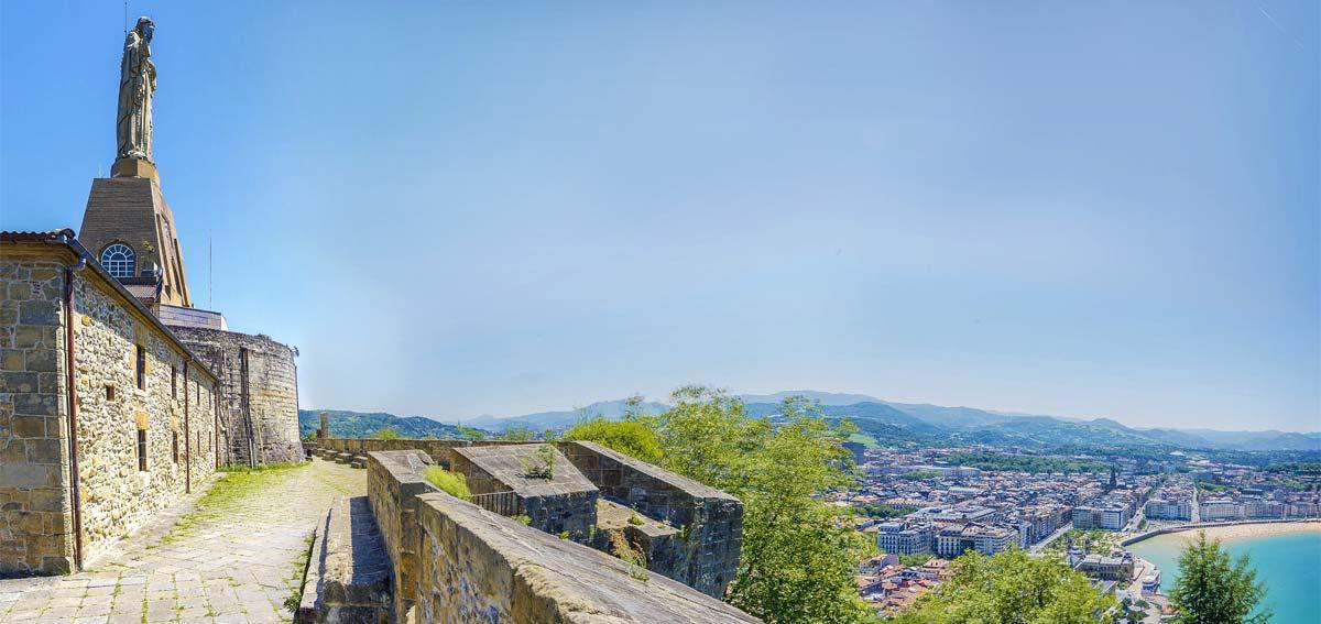 Subida al Monte Urgull - Las mejores 3 rutas de senderismo en San Sebastián png